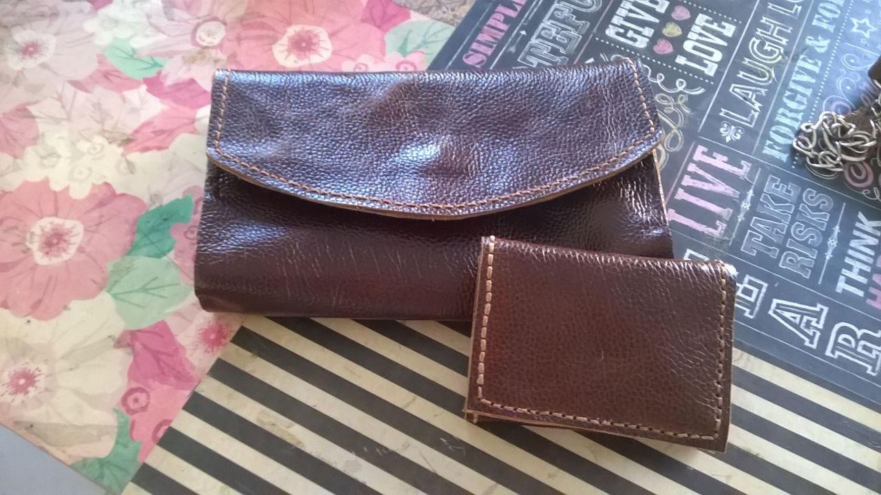 Como hacer billeteras artesanales leatherhandworks - Como hacer puff artesanales ...